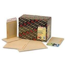 New Guardian Envelopes Heavyweight Board Backed Peel and Seal 130gsm Manilla C4 Ref R10057 [Pack 15]