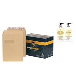 New Guardian Envelopes Heavyweight Pocket Peel and Seal Window Manilla C4 - Pack 250 - FREE Bayliss & Harding Handwash & Lotion Set