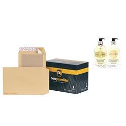New Guardian Envelopes Heavyweight Board Backed Peel and Seal Manilla C4 [Pack 125] - FREE Bayliss & Harding Handwash & Lotion Set