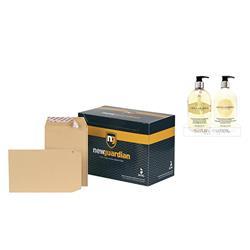New Guardian Envelopes Heavyweight Pocket Peel and Seal Manilla C5 - Pack 250 - FREE Bayliss & Harding Handwash & Lotion Set