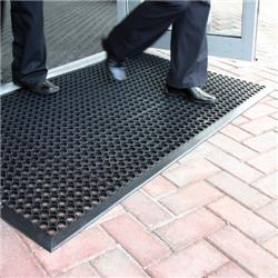 COBA Ramp Entrance Scraper Mat Rubber Hard-wearing W900xD1500mm Black Mat Ref RP010001